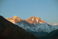 Everest-sunset-from-Everest-lodge